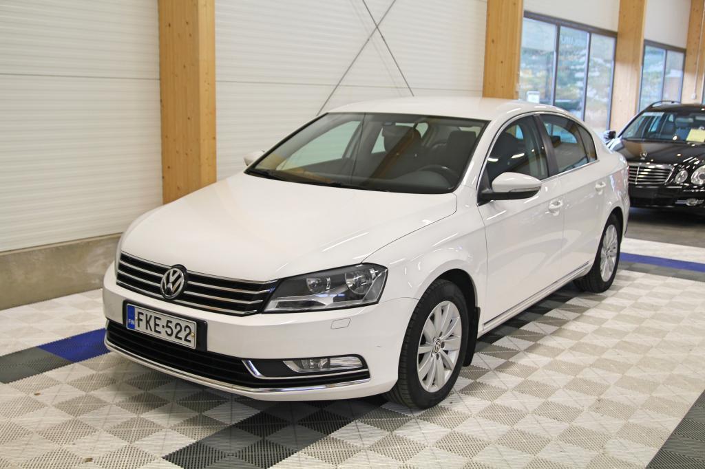 Volkswagen PASSAT, 1.6 TDI 77kw Comfortline BlueMotion *WEBASTO KAUKOSÄÄDÖLLÄ/UUDET TALVIRENKAAT*