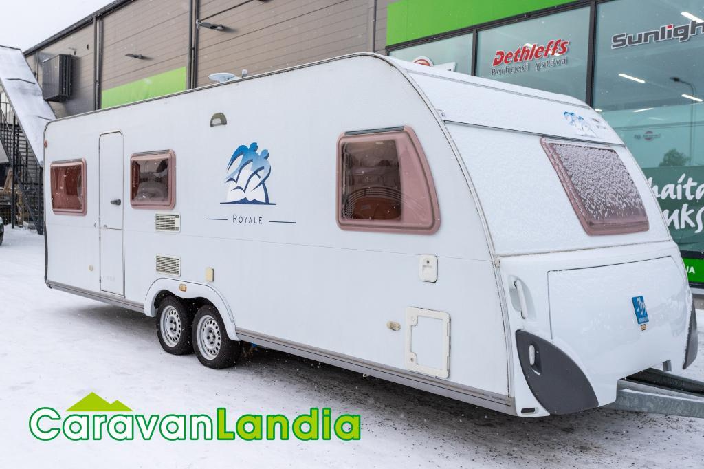 Caravanlandia: Knaus Royale 680 FDU ** ALDE,  2x PÖYTÄRYHMÄ,  6 MAKUUPAIKAT **