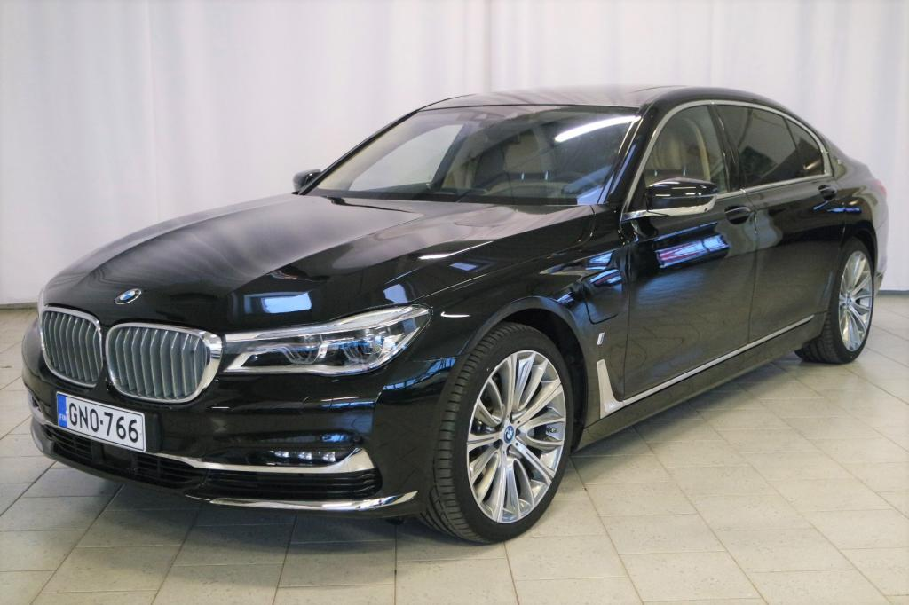 BMW 740 G12 Sedan 740Le iPerformance A xDrive