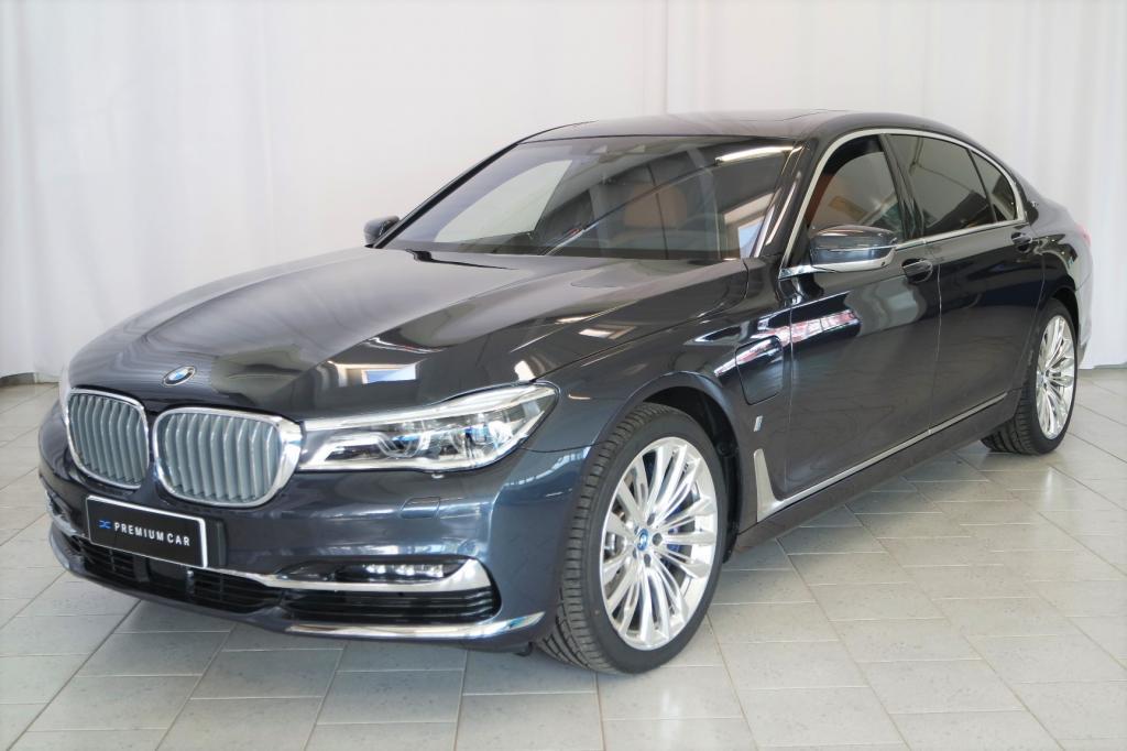 BMW 740 G12 Sedan 740Le iPerformance A xDrive