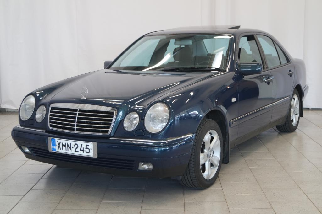 Mercedes-Benz E 320 4MATIC Avantgarde A
