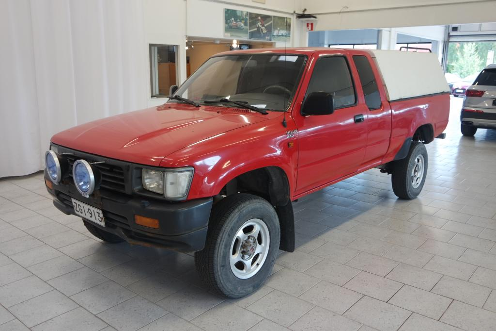 Toyota Hilux Extra Cab 2, 4D 4WD