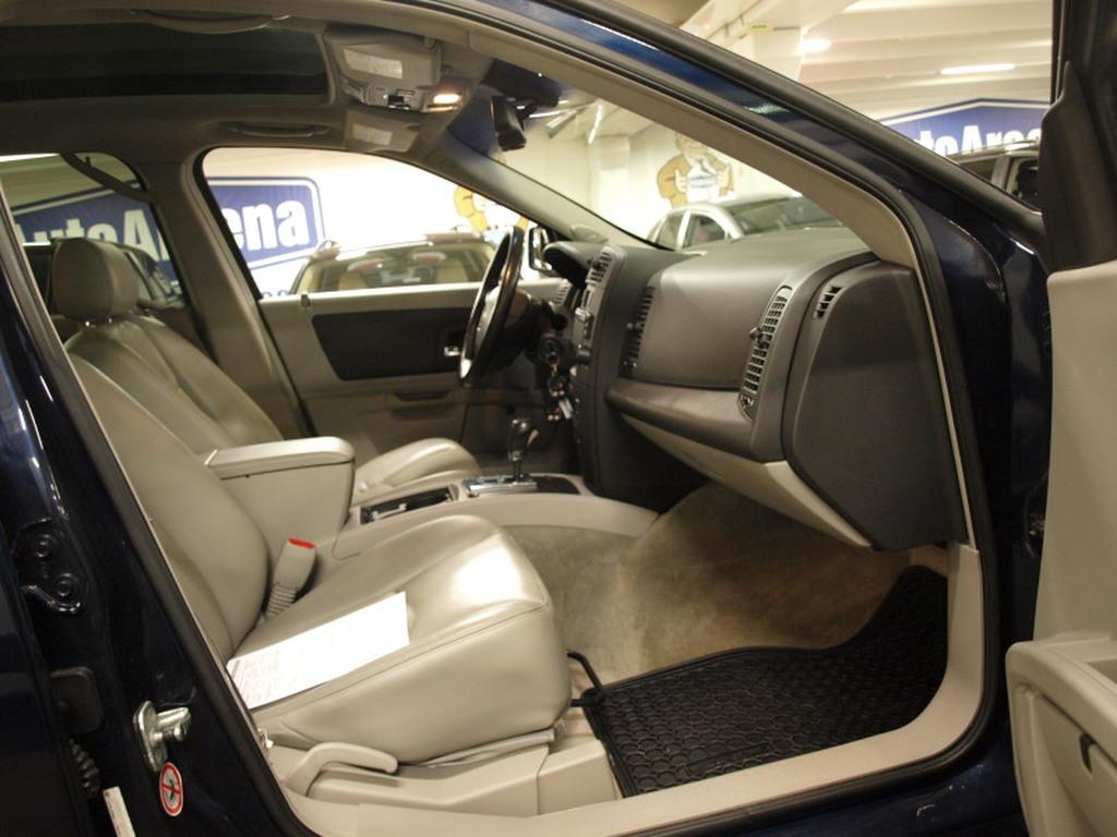 Cadillac SRX, 3, 6 V6 A AWD. ERITTÄIN VÄHÄN AJETTU JA TODELLA SIISTI SRX! HYVÄ HUOLTOHISTORIA!