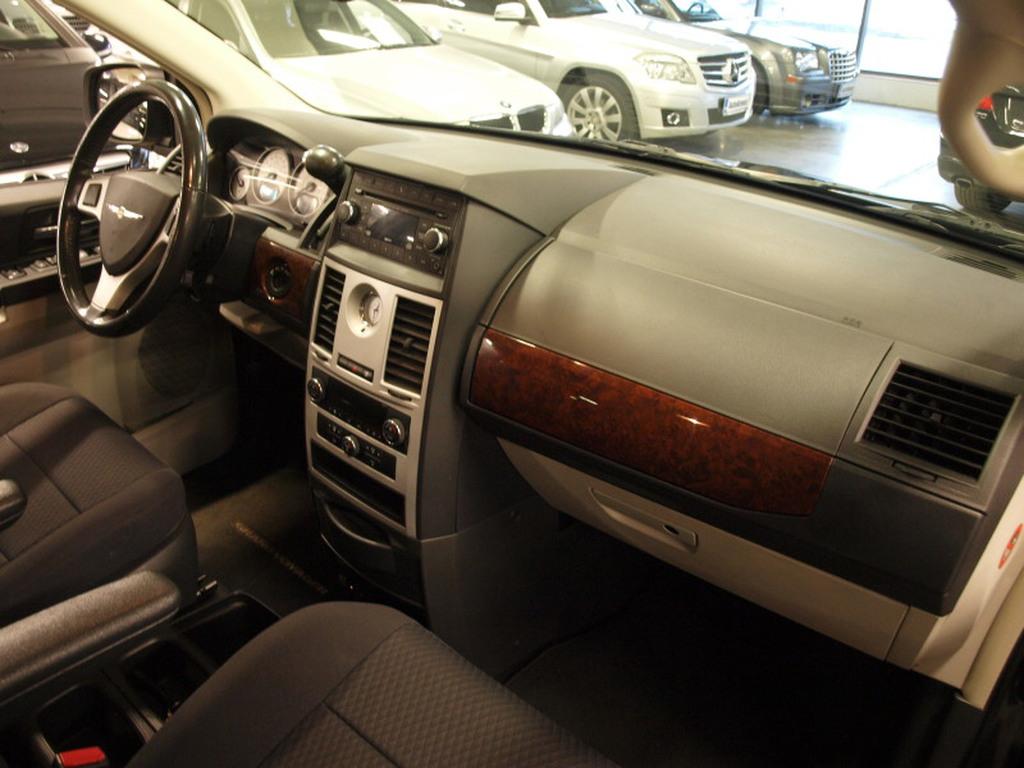 Chrysler Grand Voyager, 2, 8 CRD A. AJETTU VAIN 89000KM! ERITTÄIN ASIALLINEN! SOPIVALLA KUUKAUSIERÄLLÄ!