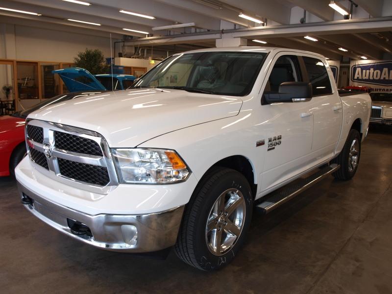 Dodge Ram, 1500 SLT CLASSIC 4X4 CREW CAB 5, 7L HEMI. KEVYT KUORMA-AUTO! SIS ALV! UUSI AUTO!