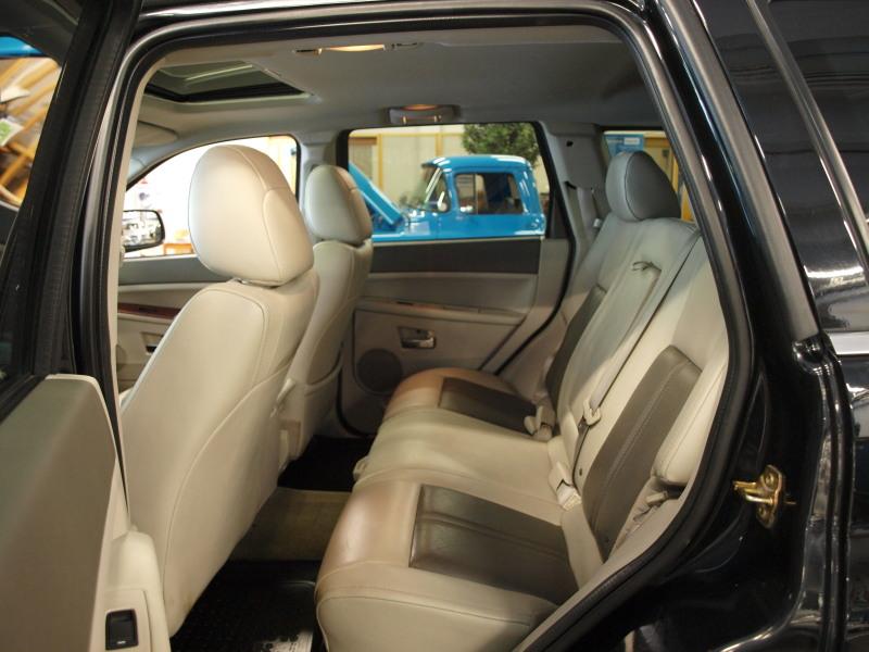 Jeep Grand Cherokee, 3, 0CRD A LIMITED. HYVILLÄ VARUSTEILLA MM. KAUKOWEBASTO,  NAVI,  PERUUTUSKAMERA,  BLUETOOTH,  LASIKATTOLUUKKU,  NAHAT!