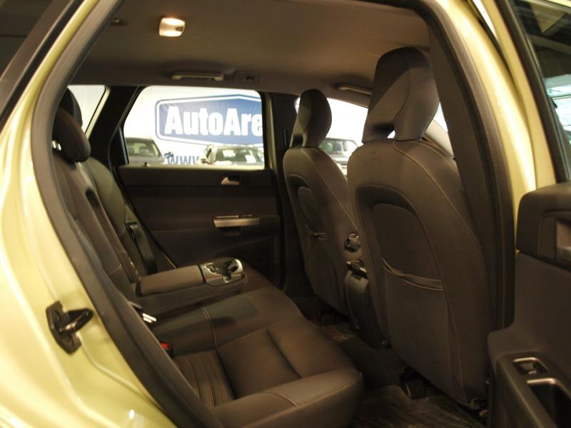 Volvo V50, 2, 0D. ASIALLINEN VOLVO HYVÄLLÄ HUOLTOHISTORIALLA! RAHOITUS JOPA ILMAN KÄSIRAHAA!