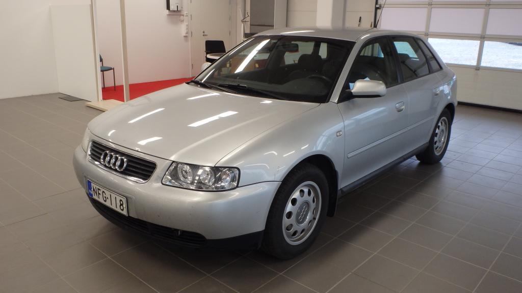 Audi A3 1.6 Attraction 5d *Vaihto & Rahoitus*