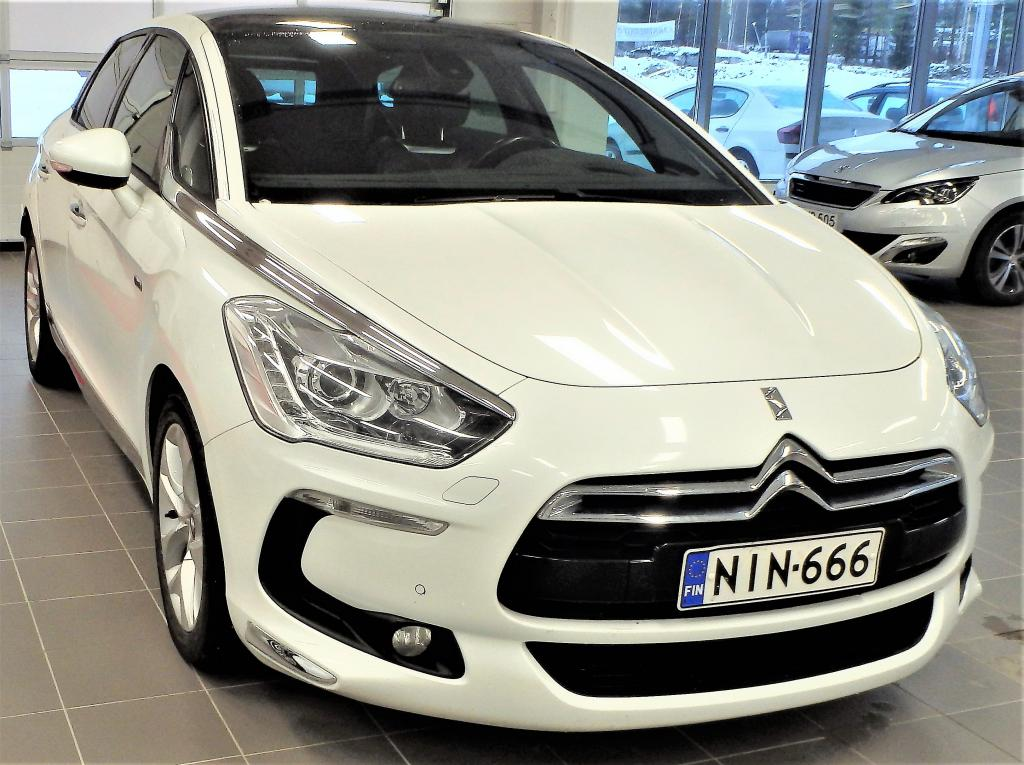 Citroen DS5 Hybrid4 Sport Chic.  Neliveto