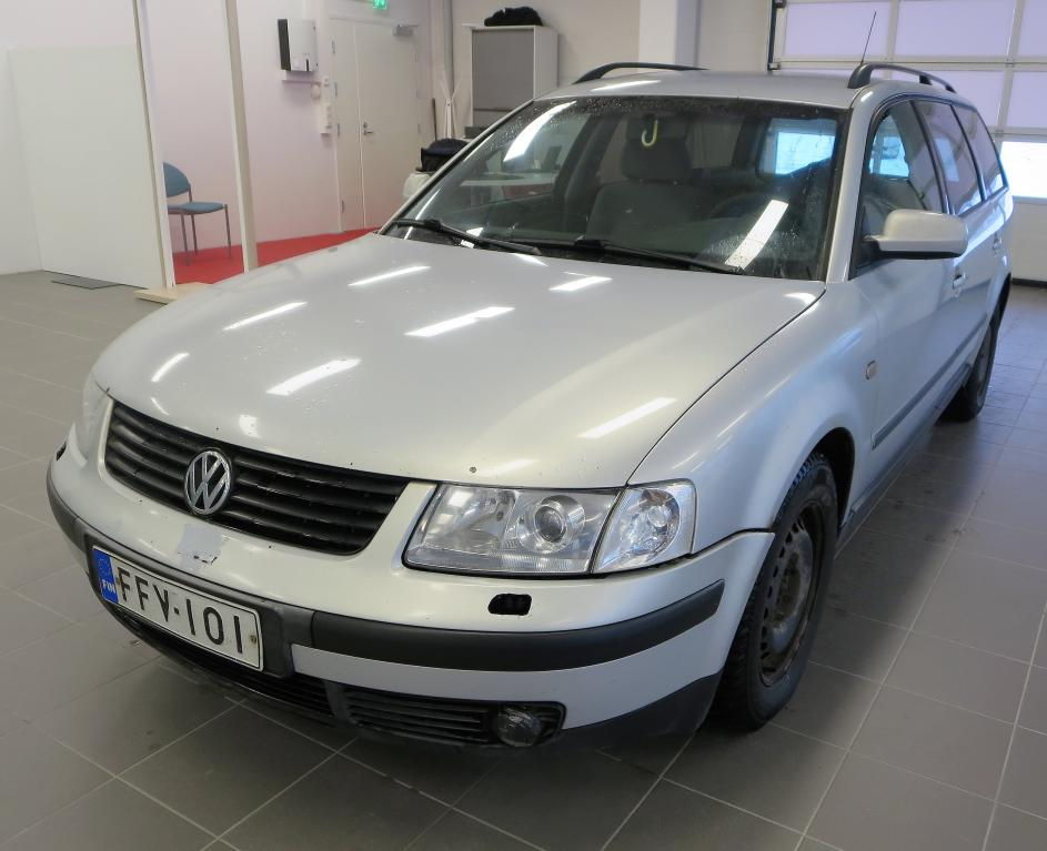 Volkswagen Passat 1.9 TDI Variant *pakettiauto*
