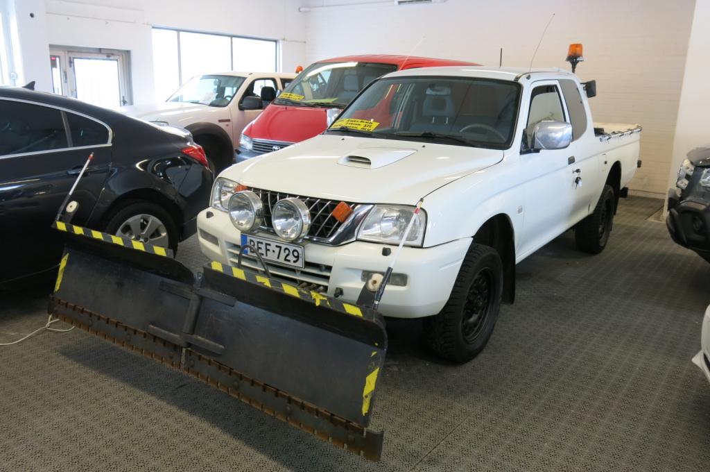 Mitsubishi L200 2.5TD Club Cab Pickup 4x4 *AURAVARUSTUS *Kippi *Sirotin *Takalevy *sis.alv