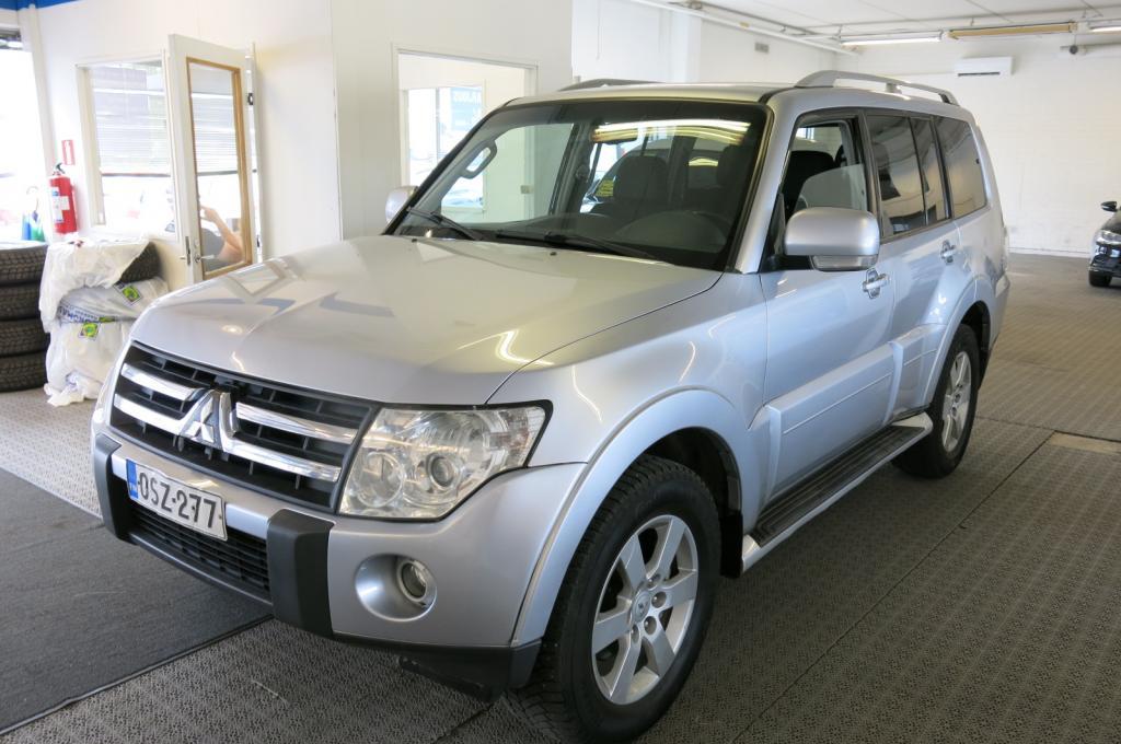 Mitsubishi Pajero Wagon 3, 2 DI-D *7-hengen *AC *Cruise *Koukku