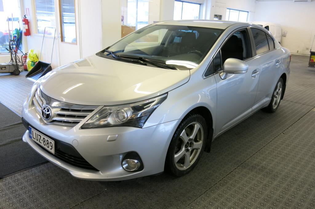 Toyota Avensis 2.2 D-Cat 150 Active Autom. *AAC *Webasto kaukosäädöllä *Navi *P-kamera *korko 0, 95%