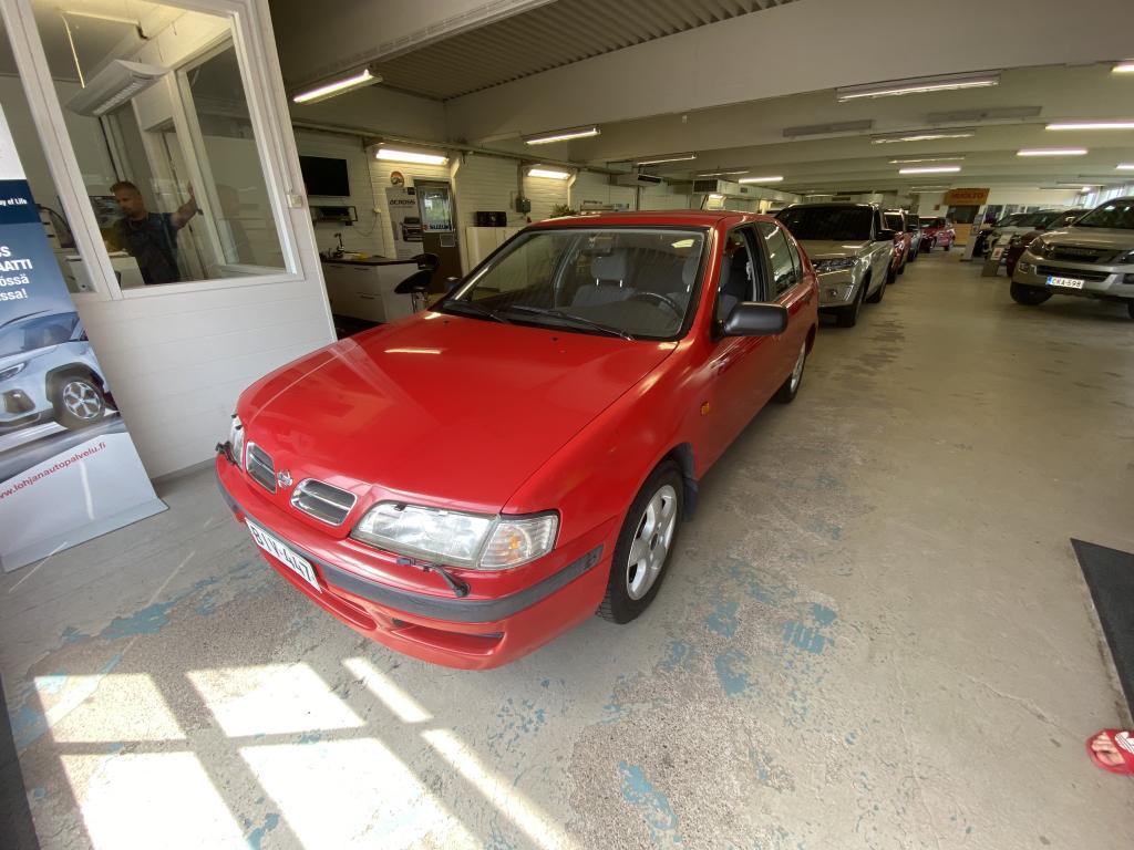 Nissan Primera 4D 1.6 HATCHBACK