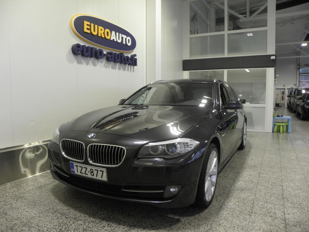 BMW 520 d A F11 Touring,  SIISTI JA VARUSTELTU,  NAVI,  19 TUUMAN ALUT,  KOUKKU,  TUMMENNUKSET,  SPORTTIPENKIT,  CRUISE,  VAIN 215?/KK