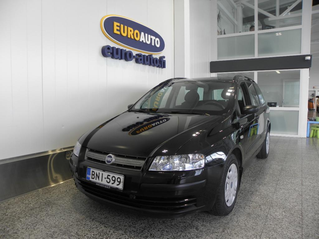Fiat Stilo Multi Wagon 120 JTD Actual,  VAIN 99? / KK,  KAHDET RENKAAT,  VETOKOUKKU,  LOHKOLÄMMITIN JA SISÄPISTOKE,  ILMASTOINTI,  SOITIN