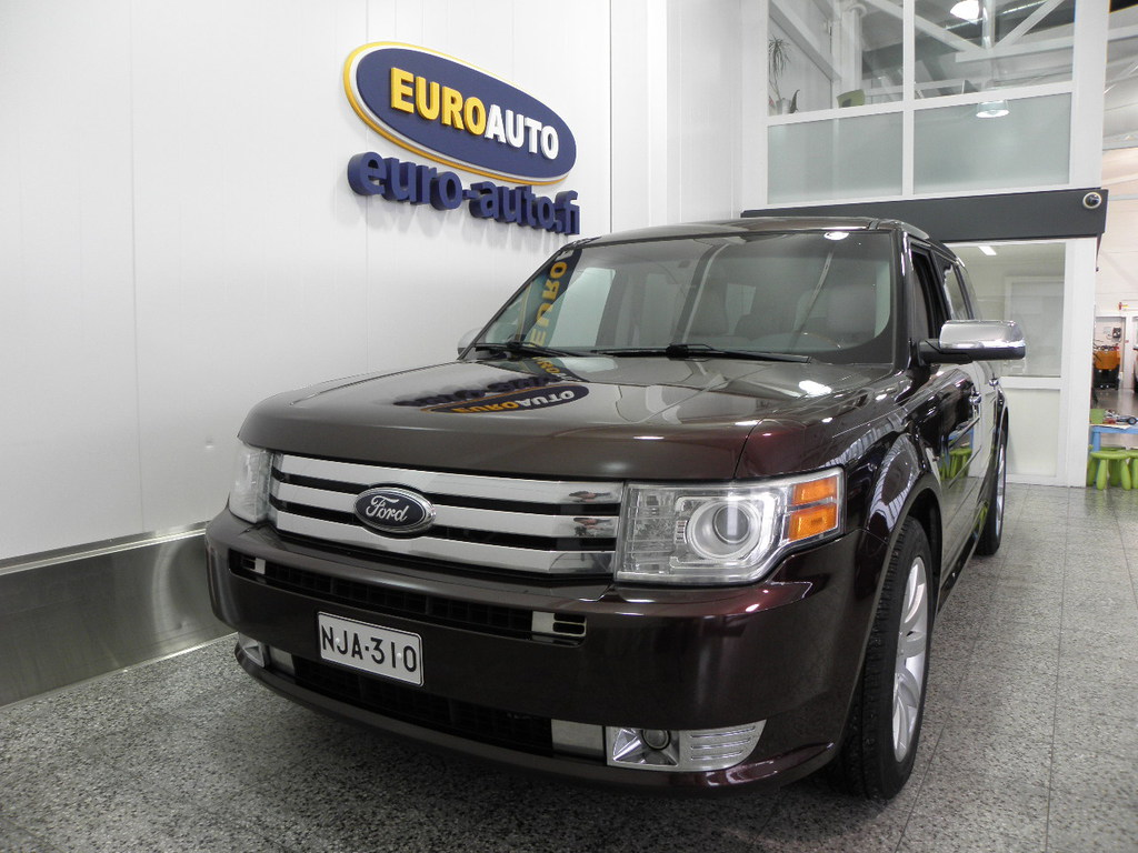 Ford Flex Limited (AF) 5ov 3500cm3 261hv Aut. 7-HENGEN TILA-AUTO / SUV,  NAHAT,  19 TUUMAN VANTEET,  PANORAMA,  CRUISE,  USB,  AUX
