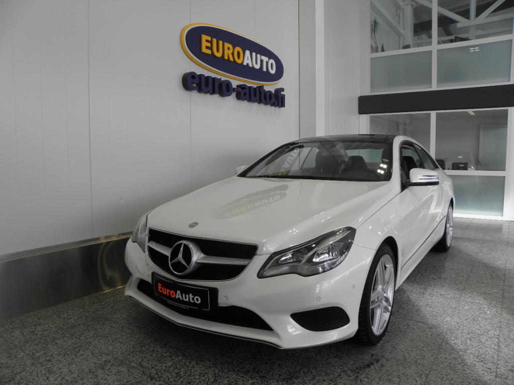 Mercedes-Benz E 250 BE Coupé A,  HELMIÄISVALKOINEN,  SPORTTIPAKETTI,  PANORAMA,  HARMAN / KARDON,  NAHAT,  AMG 18 TUUMAN VANTEET,  CRUISE