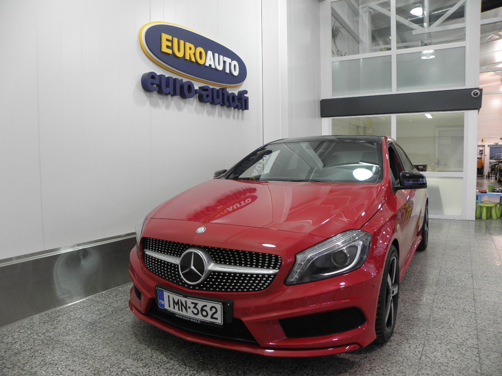 Mercedes-Benz A 250 AMG Sport A 211hv Premium Business,  NAVI + PANORAMAKATTOLUUKKU + XENON + HARMAN/KARDON,  KAHDET RENKAAT