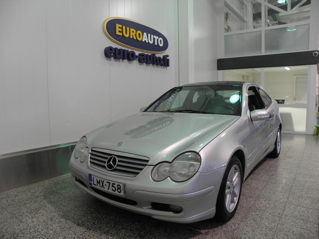 Mercedes-Benz C 200 Kompressor Sportcoupe Aut. IKÄISEKSEEN VÄHÄN AJETTU,  NAHAT,  PANORAMA,  CRUISE,  KAHDET RENKAAT,  HYV KATS AUT VÄH 1000