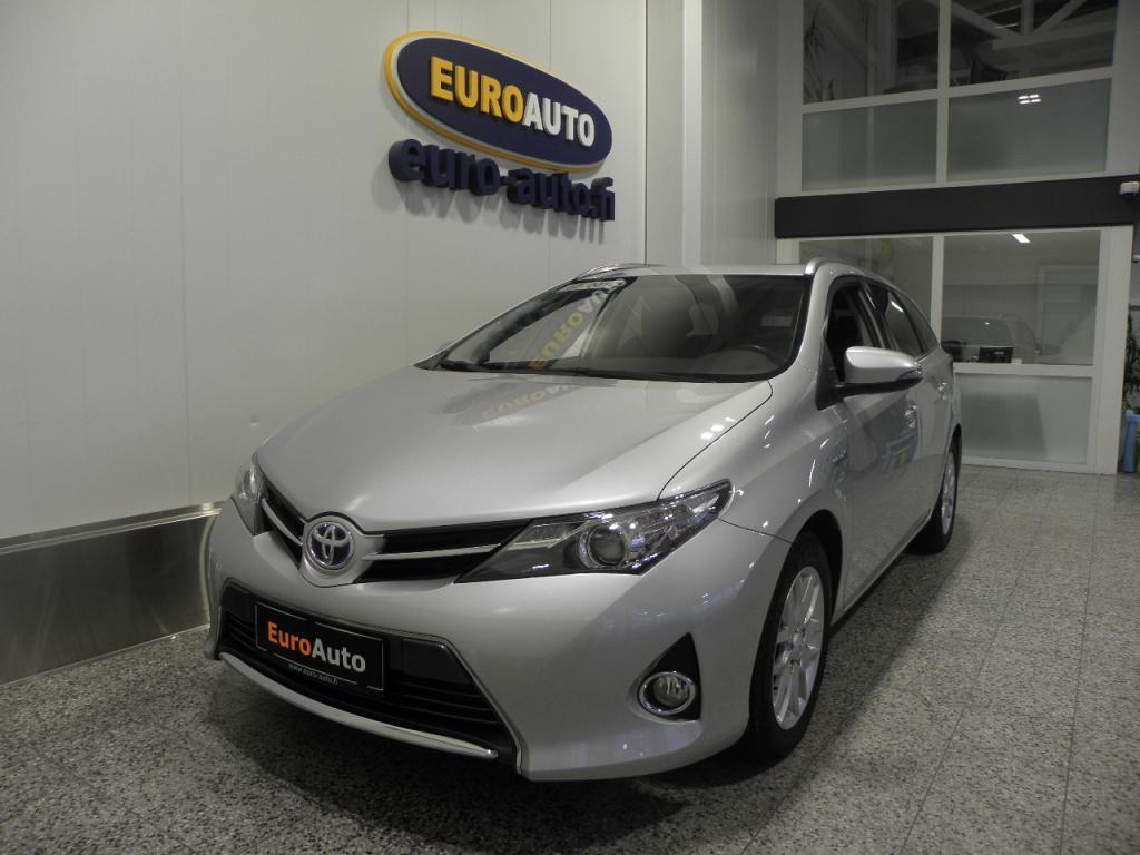 Toyota Auris Touring Sports 1, 8 Hybrid Active Edition,  VÄHÄN AJETTU HYBRID VAIN 299?/KK,  PERUUTUSKAMERA,  CRUISE,  BLUETOOTH,  USB,  AUX