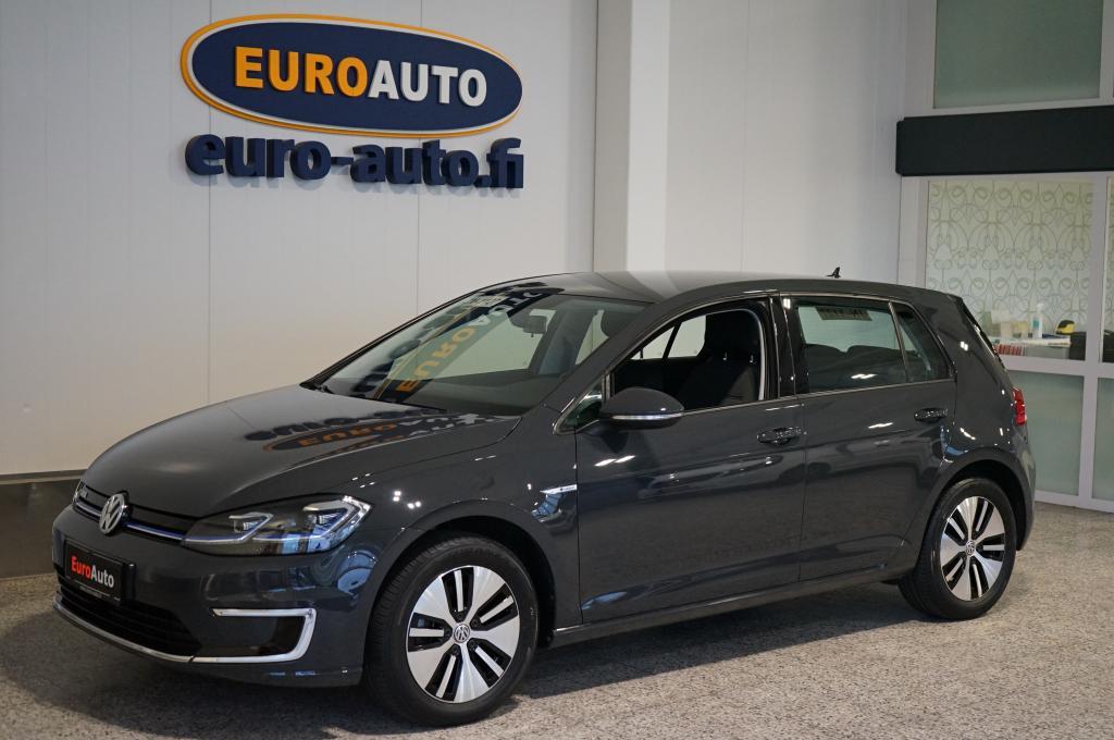 Volkswagen Golf e-Golf 100 kW (136 hv) automaatti,  HIENO TÄYSSÄHKÖ,  NAVI,  TUTKAT,  BLUETOOTH,  LEDIT,  MUKAUTUVA CRUISE,  USB,  LÄMPÖLASI,