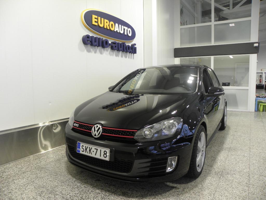 Volkswagen Golf GTI 2, 0 155 kW (210 hv) 4-ovinen,  MUSTA SUOMI AUTO, VAIN 250?/KK,  18 TUUMAN ALUT. CRUISE,  SPORTTIPENKIT,  TUMMENNUKSET,