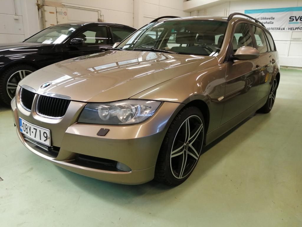 BMW 318 2.0i,  18