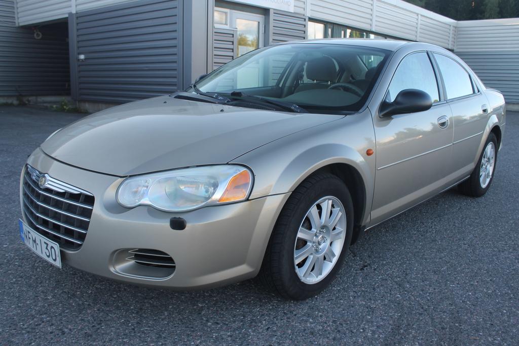 Chrysler Sebring 2.7i V6 Autostick,  Ilmastointi,  Kahdet renkaat alumiinivanteilla,  Rahoitus jopa 0% käsirahalla alkaen 69, -euroa/kk!!