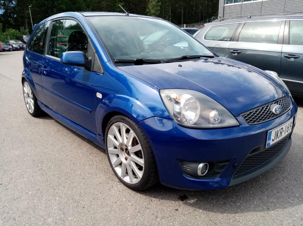 Ford Fiesta 2.0i 150hv,  Siistikuntoinen,  Rahoitus jopa ilman käsirahaa!!