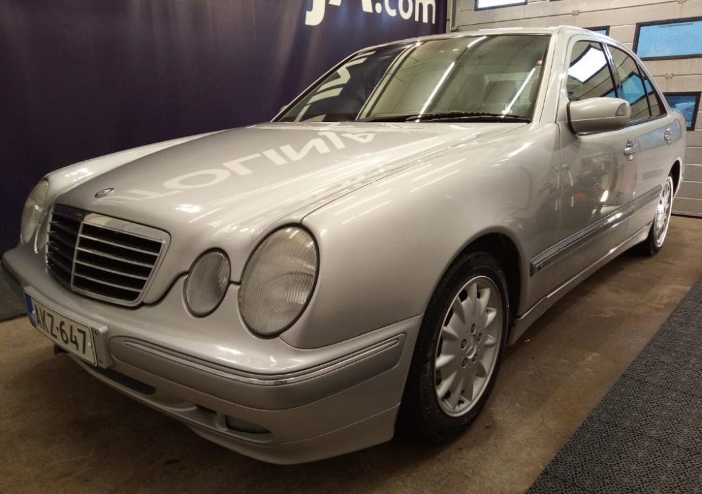 Mercedes-Benz E 200 Kompressor Siisti,  Ilmastoitu,  Hyvä huoltohistoria,  Rahoitus jopa ilman käsirahaa!!