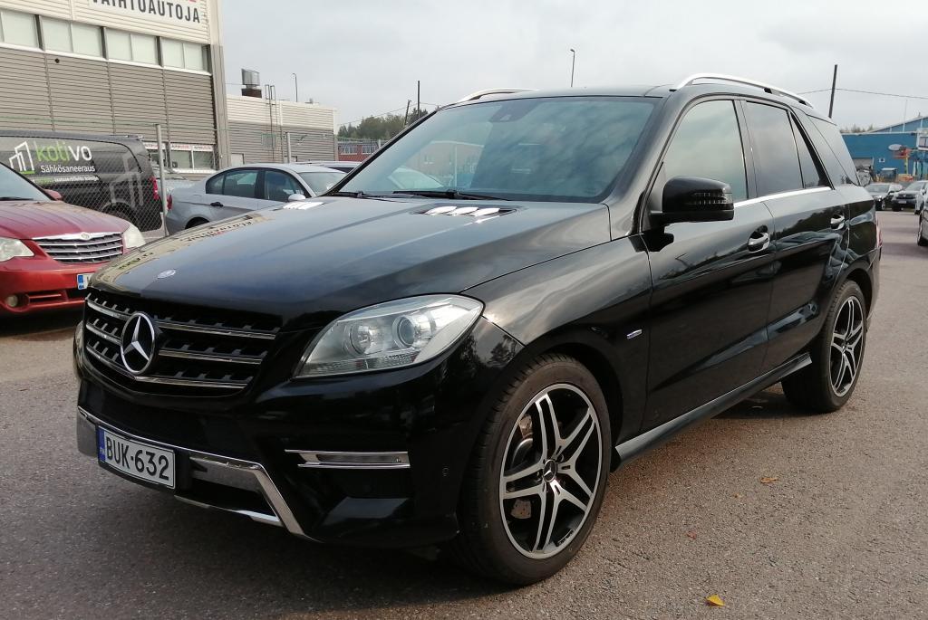 Mercedes-Benz ML 350 BlueTec 4Matic Premium Business,  AMG-styling,  5-paikkainen kaksikäyttöauto,  21