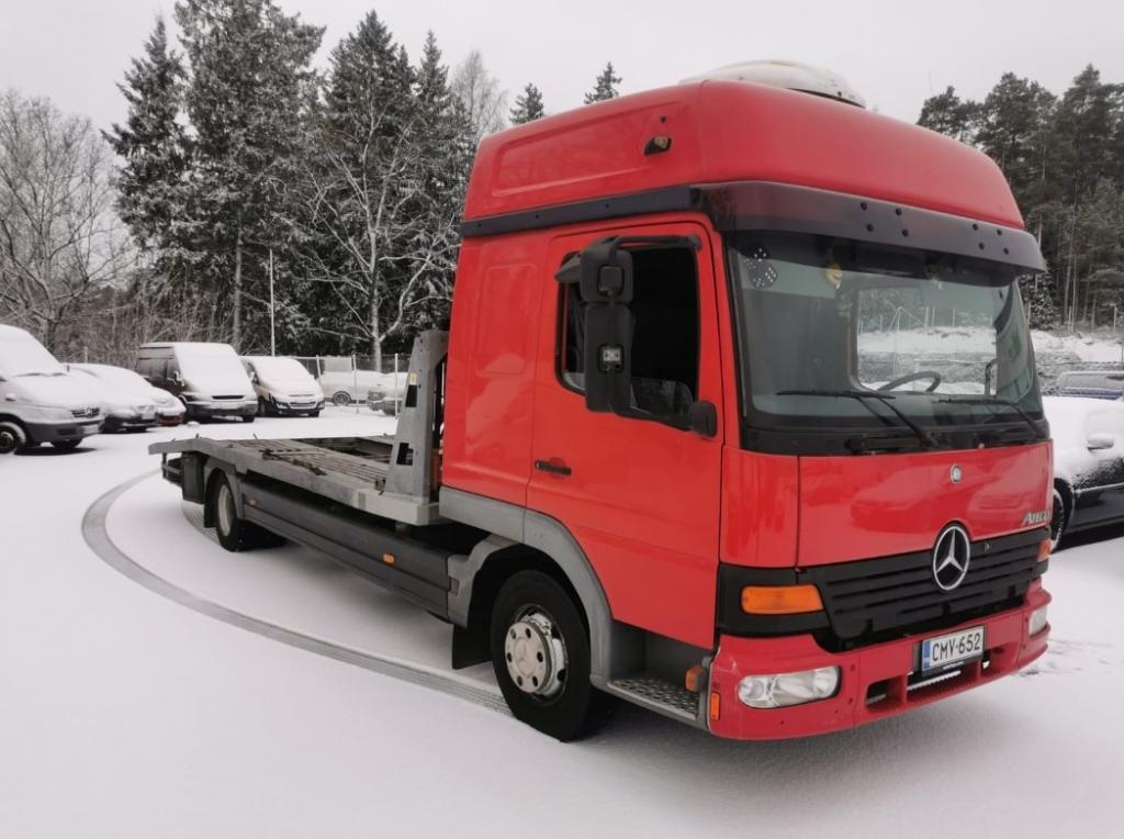 Mercedes-Benz Atego  817L.Kokonaismassa 7490kg, kantavuus 2290kg, C1 kortilla ajettava.Lavan pituus 675cm.Sähkövinssi yms.Katsastettu-9/2020!!
