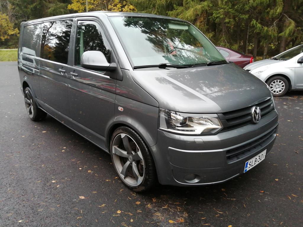 Volkswagen Transporter umpipakettiauto pitkä 2, 0 TDI 132 kW DSG ,  vetomassa 2500kg