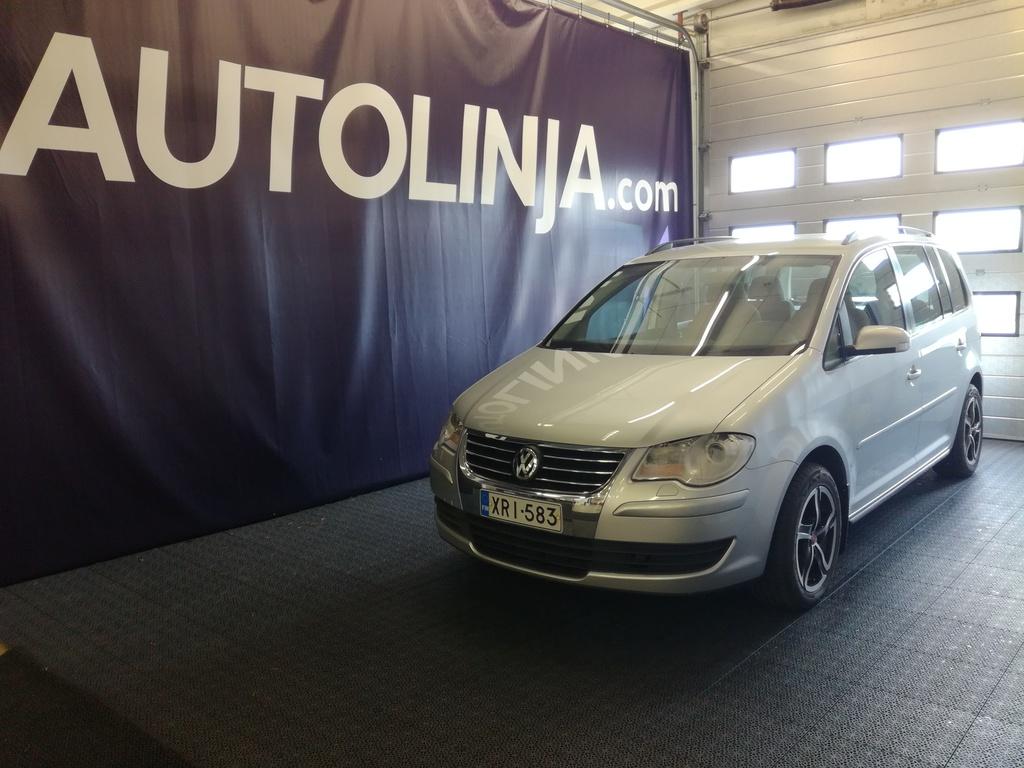 Volkswagen Touran 1.4i Turbo Automaatti,  Suomi-auto,  Ilmastointi,  Uudet kesärenkaat alumiinivanteilla,  Rahoitus jopa 0% käsirahalla!!