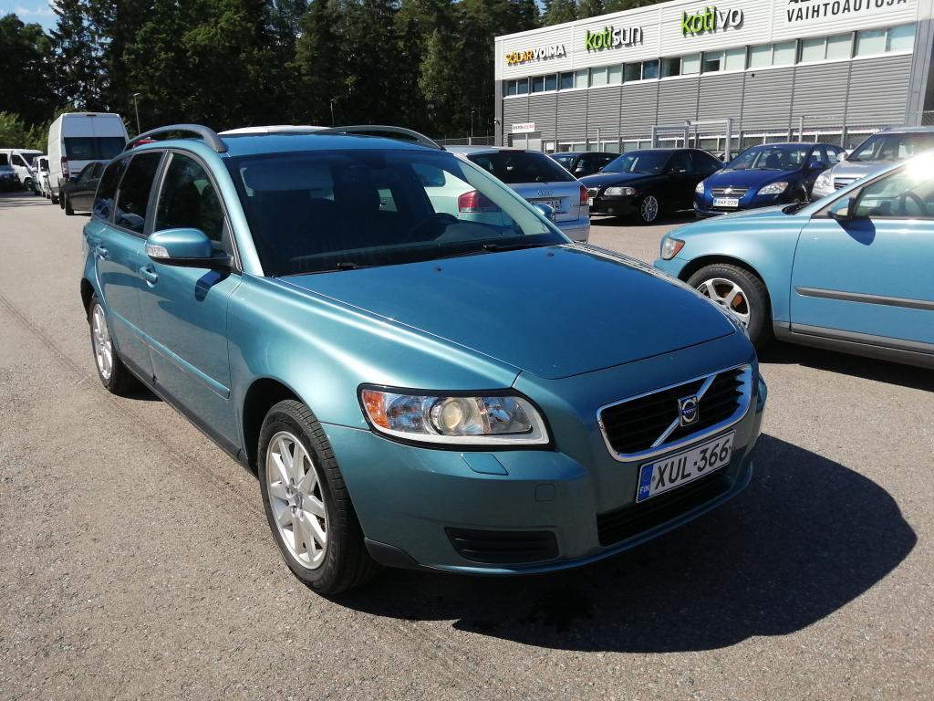 Volvo V50 1.6D Kinetic,  Erittäin hyväkuntoinen,  Jakohihna vaihdettu 176tkm,  Luottohäiriö ei ole ehdoton este osamaksukaupalle!
