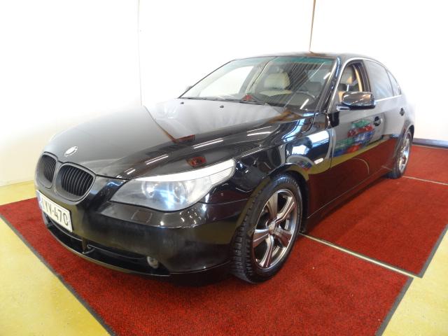 BMW 545 V8 iA *Suomi-auto*Huippuvarusteet*Ajettu vain  189tkm*333hv*