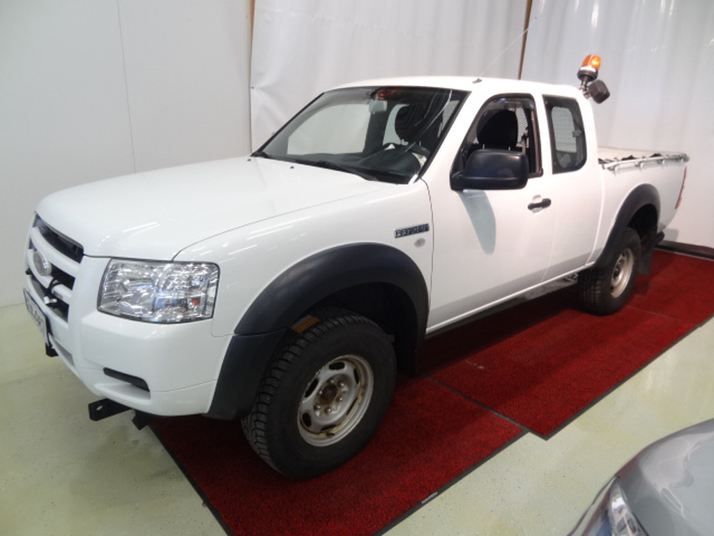 Ford Ranger Pick-Up Super Cab XL 2, 5 TDCi 4x4 *Sis.ALV*Webasto kaukosäädöllä*1-Omistaja*