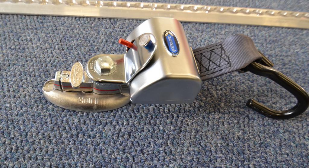 Q-Straint Max Q-8304-L , Q-Straint pyörätuolin kiinnityssarja
