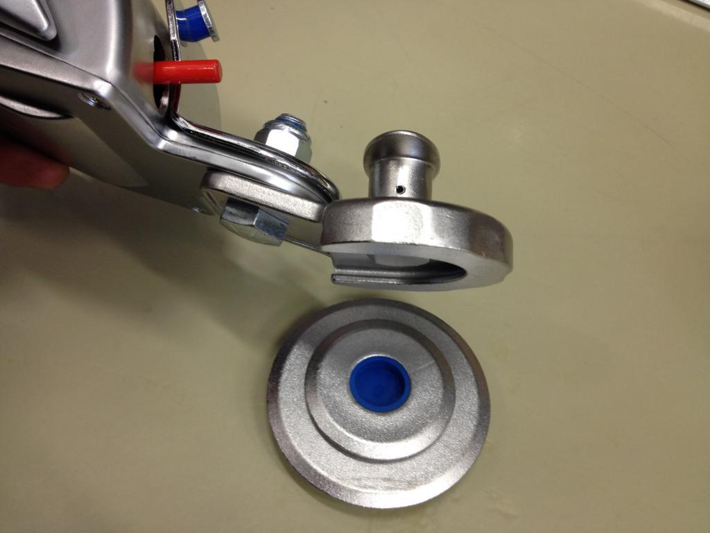 Q-Straint pyöreä Q8-7580 A, Q-Straint  pyöreä lattiakiinnike