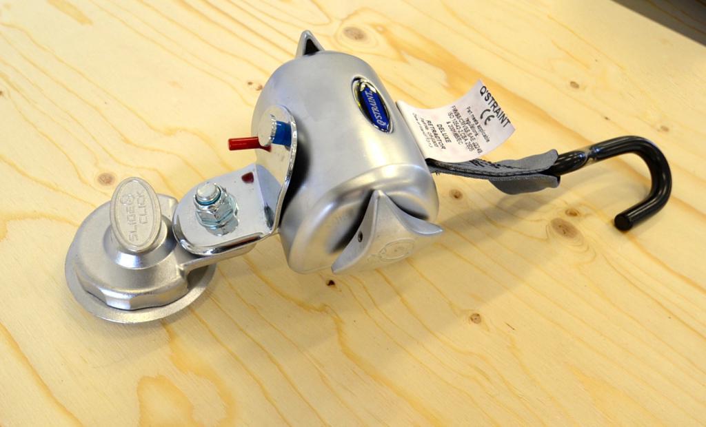Q-Straint Deluxe Q-8104- , Q-Straint pyörätuolin kiinnityssarja