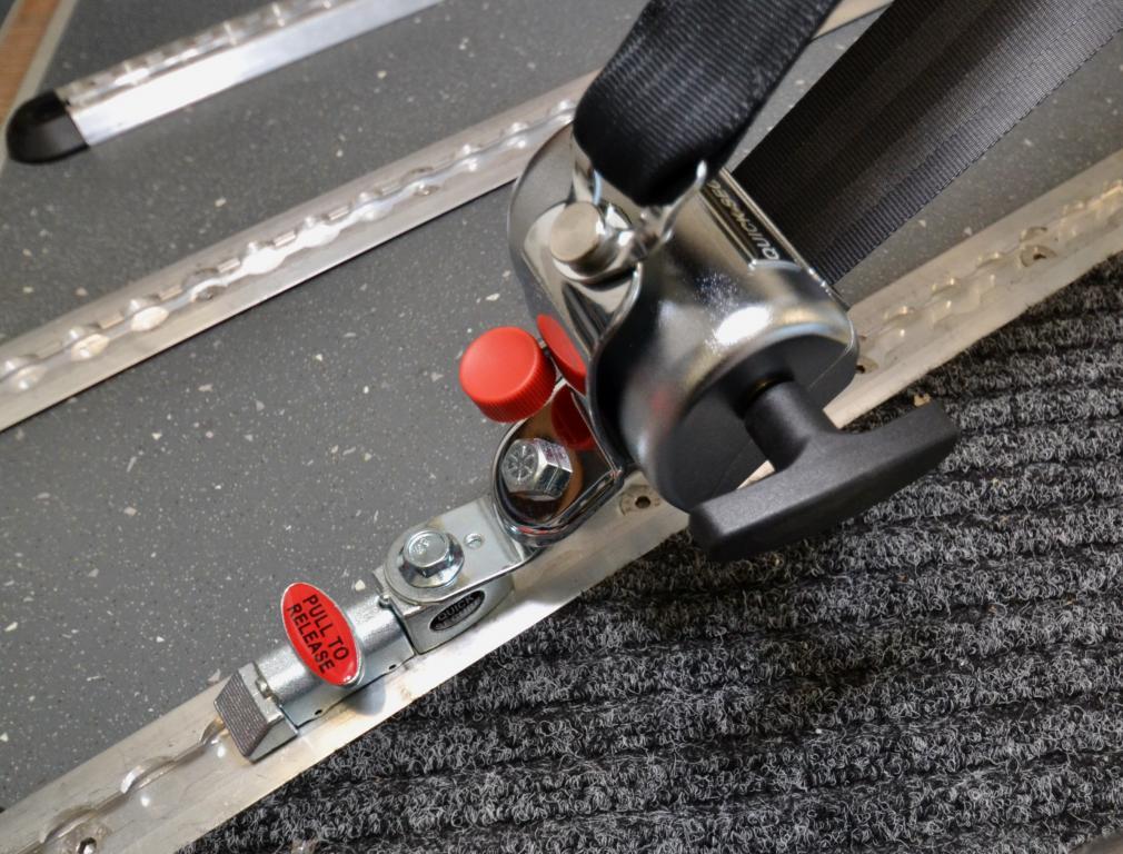 Quick Secure  MQ1001.A001, Pyörätuolin kiinnityssarja kiskokiinnityksellä