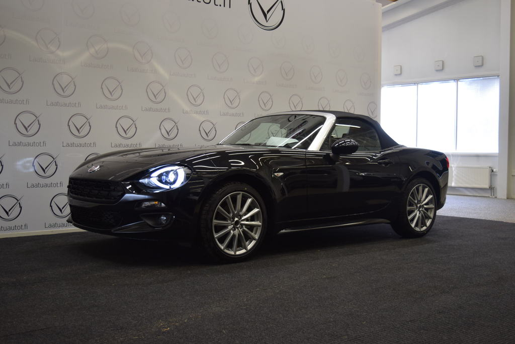 Fiat 124 Spider 1, 4 MultiAir 140hv MT6 Lounge