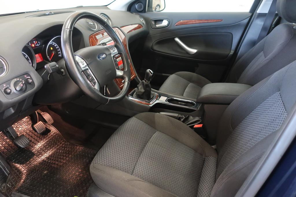 Ford Mondeo, 2.0 GHIA 145hv