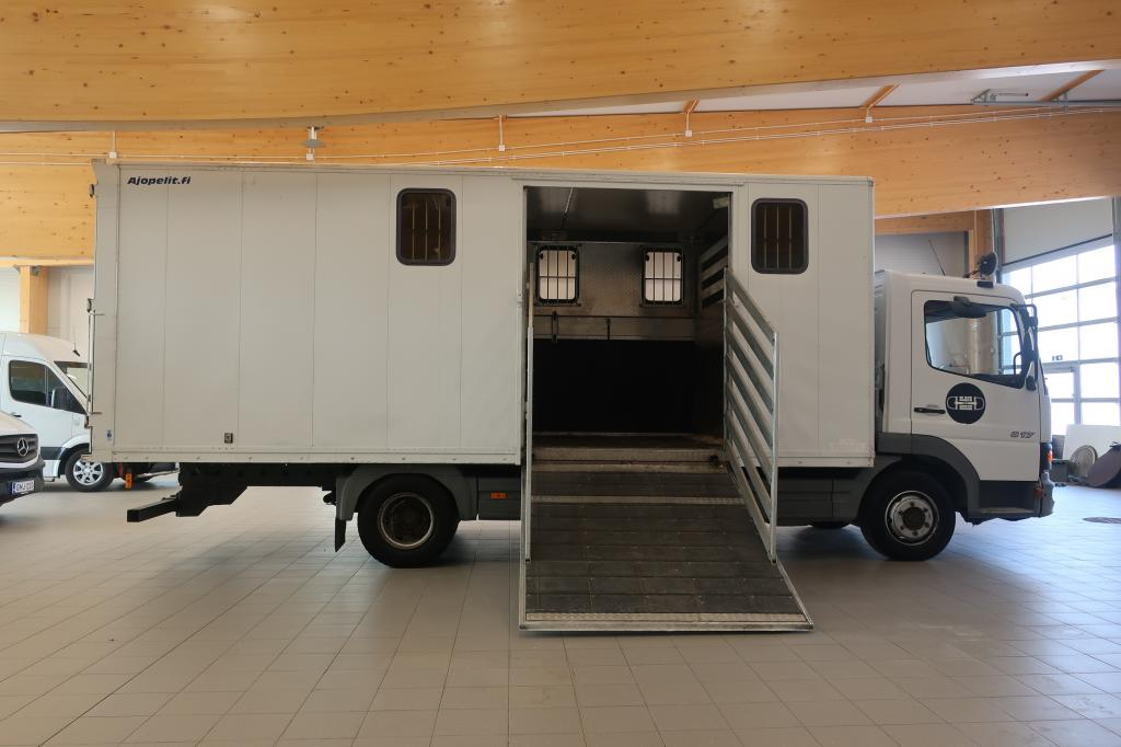 Mercedes-Benz Ateco, 817,  Neljän hevosen kuljetusauto