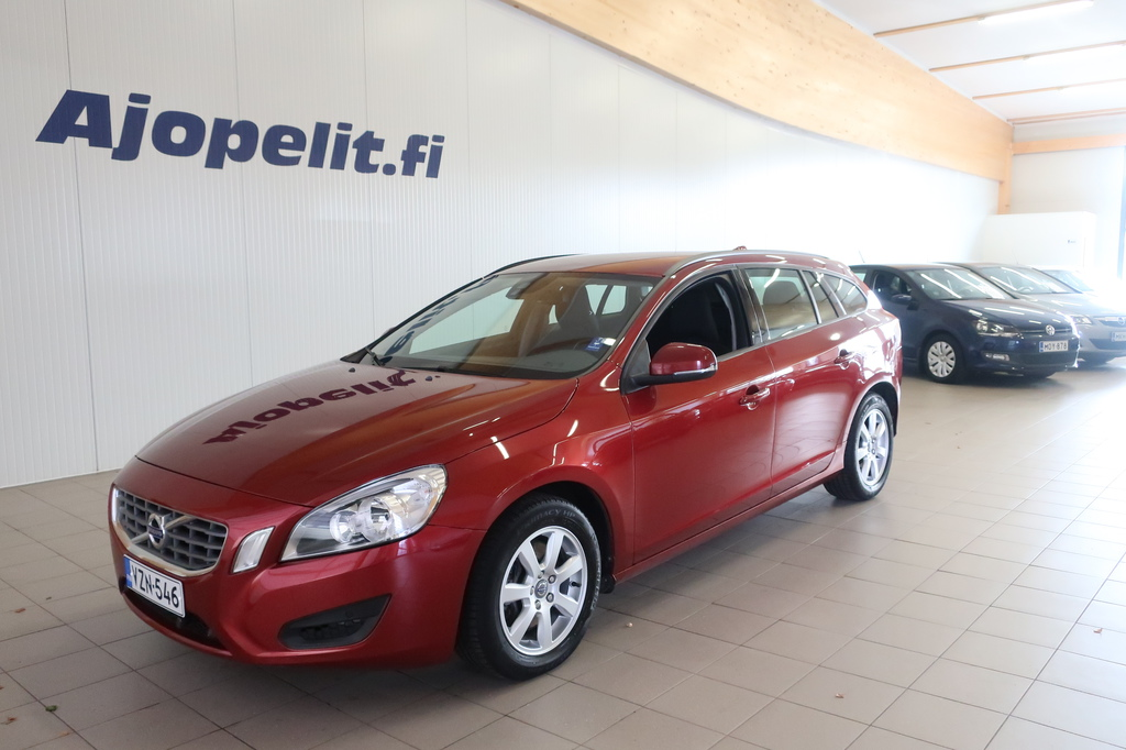 Volvo V60, 2.4 D4 Kinetic AWD Aut