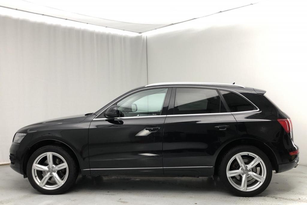 Audi Q5 3, 0 V6 TDI (DPF) quattro S-tronic *PANORAAMA*SPORTTIPENKIT*
