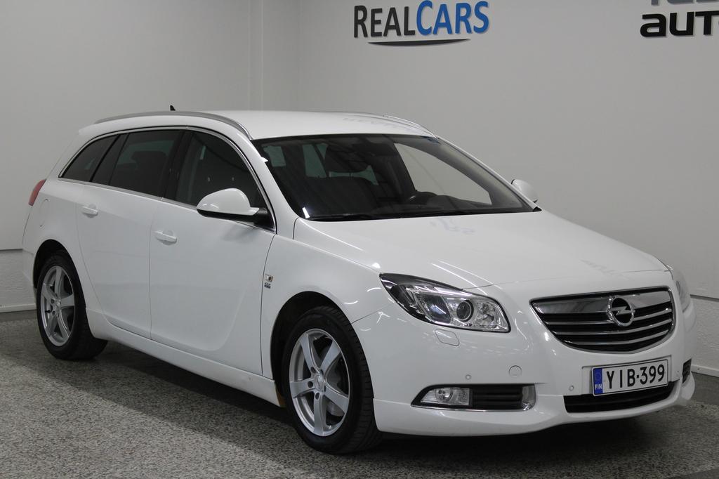Opel Insignia Sports Tourer 2, 0 CDTI BiTurbo 4x4 143kW AT6 OPC-LINE korko 0, 99%+kulut