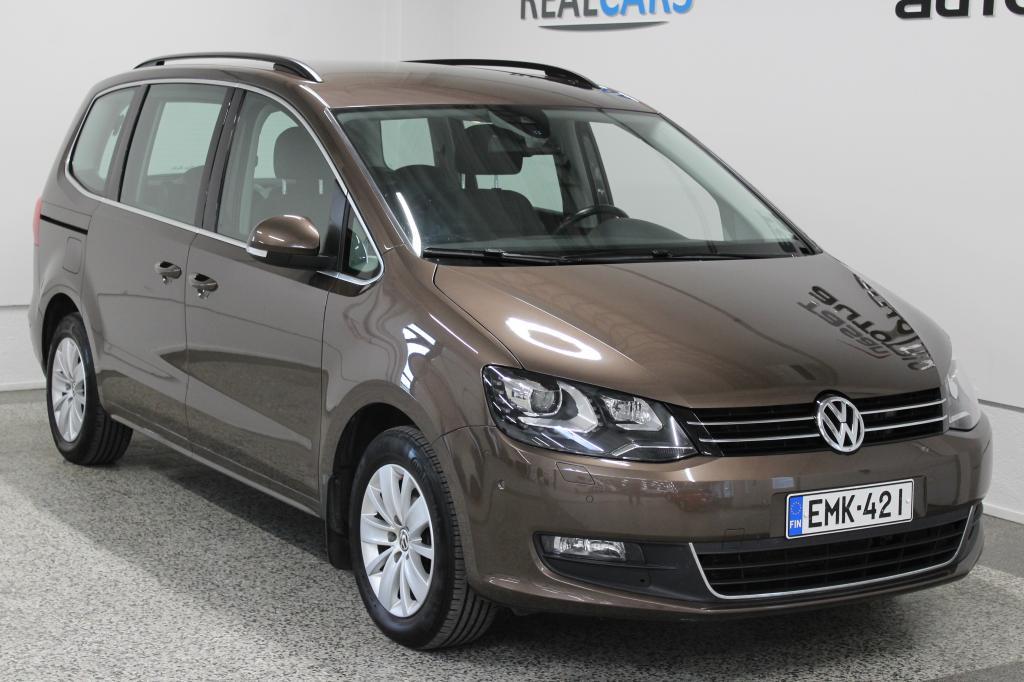Volkswagen Sharan Comfortline 2, 0 TDI 103 kW (140 hv) BlueMotion Technology DSG-automaatti *7hlö,  Xenon, Webasto,  koukku*