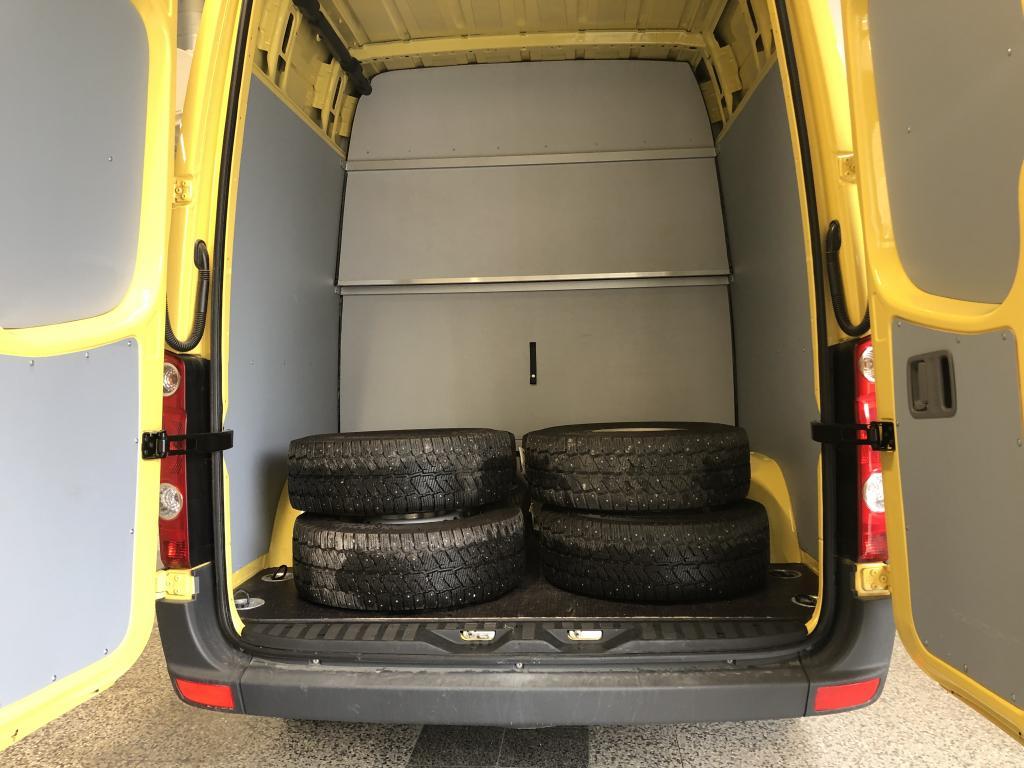 Volkswagen Crafter 2.0 TDI 100kw Retkeilyauto 1+7h sis.alv!!